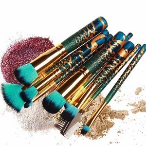 Gold green brush set